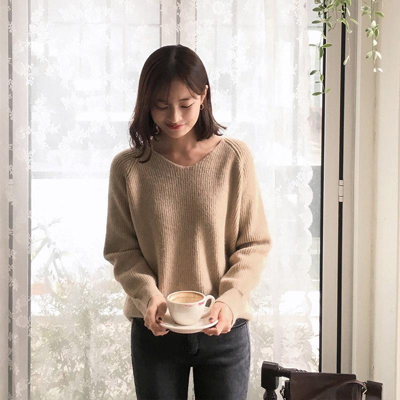 ♡鎖骨のラインがきれいに見えるVネックニットプルオーバー[CHERRYKOKO][秋冬新作][送料無料]✯韓国ファッション✯C712PHKN170