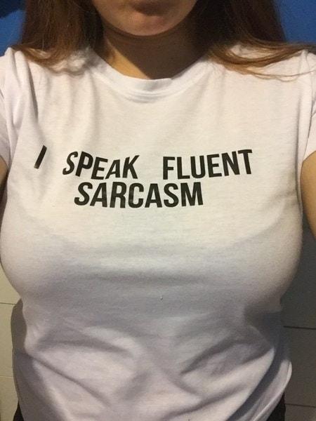 プラスサイズI SPEAK FLUENT SARCASM女性サマートップレタープリントTシャツセクシースリムファニートップティー3 Co
