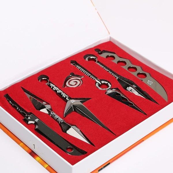 新しいナルトのコスプレ金属剣モデル8セット黒とペンダント8個/セット