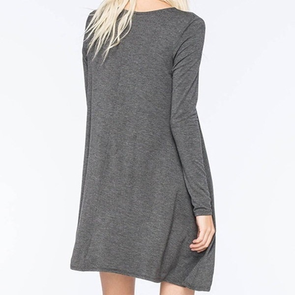 新しい長袖ルーズ薄いソリッドカラーのドレス