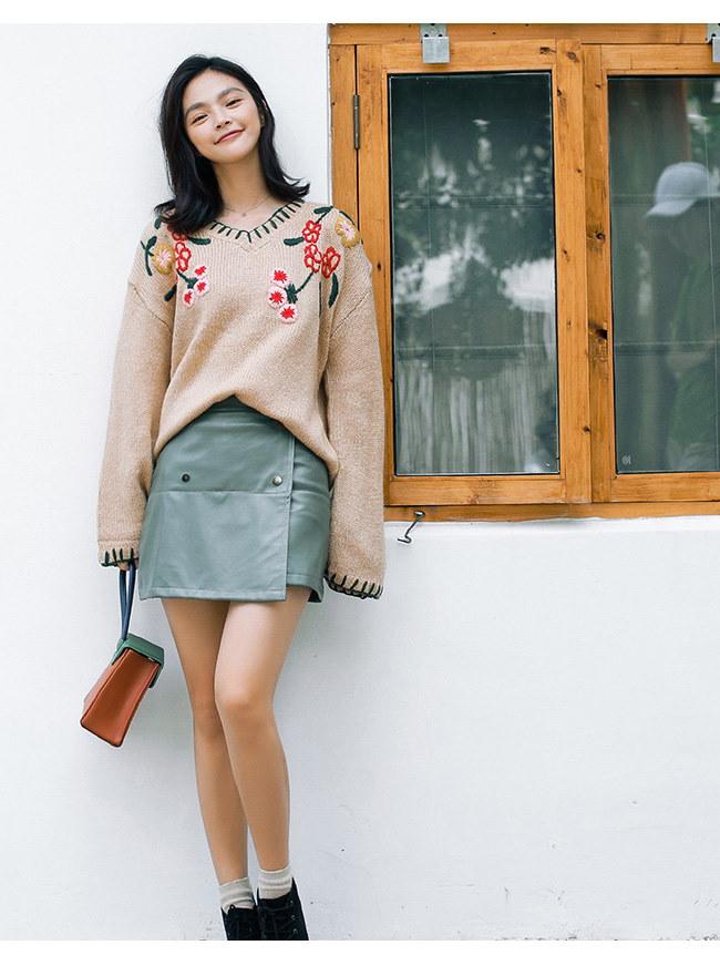 レディースファッション 女性 トップス プルオーバー ニット素材 セーター Vネック インナー カットソー 森ガール 花柄 ゆったり 刺繍 抜け感 韓国風 カジュアル オーバーサイズ フェミニン