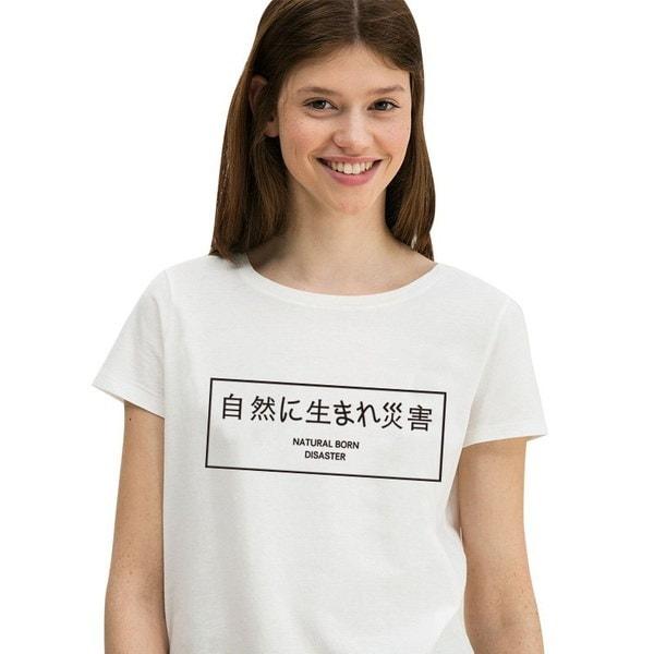夏のシャツ女性のTシャツカジュアルな白いOネックTシャツ女性のレターのプリントサイズプラスT