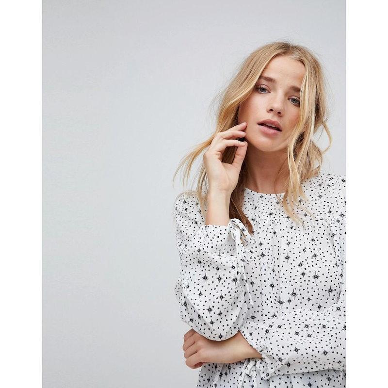グラマラス レディース トップス【Glamorous Relaxed Smock Top In Star And Spot Print】White