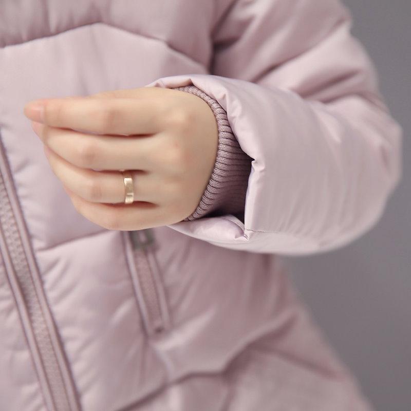 Kuyomens雪新フェイクファーフードパーカー冬のジャケットの女性厚く暖かいジャケットコットン冬のコート女性Casacoマントファムを着用
