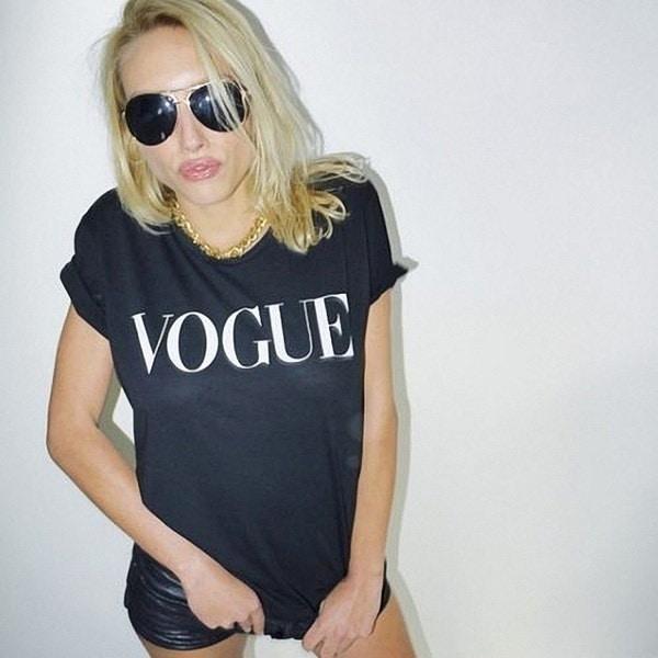 カラーファッションVOGUEプリント女性のプリントTシャツ女性のトップTシャツUnisexファッション