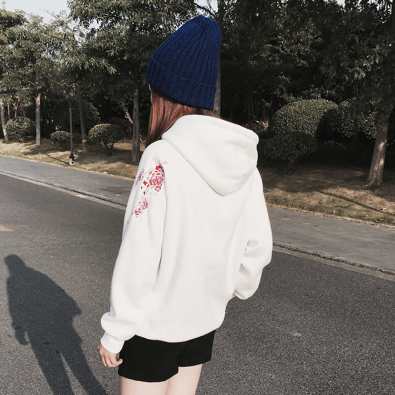 春の日韓新版潮流左腕帯帽ゆったりスウェット桜刺繍