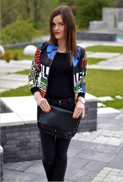 女性のヘアスタイリストのBling BlingラインストーンのTシャツ