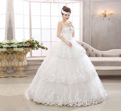 新作 ウェディングドレス 花嫁 礼服 水晶 欧米風 レース ベアトップ クラシック 3重 XCMS70