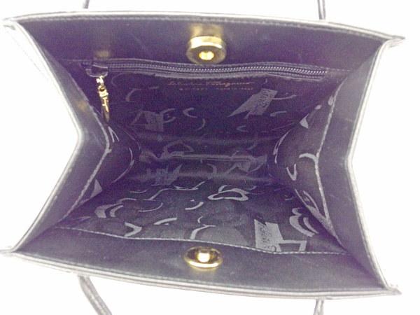 サルヴァトーレ フェラガモ Salvatore Ferragamo ハンドバッグ  レディース   ブラック レザー 美品 セール 【中古】 T597 .