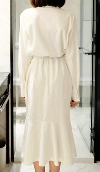 ツイストラインシャツロングワンピース- This is long one-piece having innocent and sexy mood loose fit and comfortable