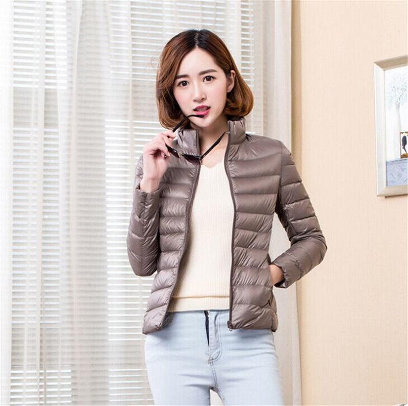 2017新しい軽量ダウンジャケットの女性の短いセクションの襟の冬の女性とサイズの女性のジャケット