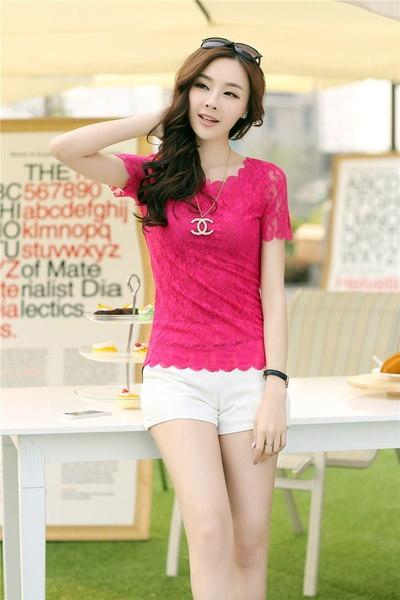 新しいレースブラウスシャツのスリムなボトミングシャツのTシャツの韓国語バージョンワンサイズ