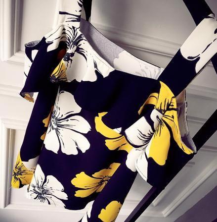 ボタニカル 花柄 肩出し ワンピース ベアトップ フレア ミニ ふんわり リゾート ビーチ