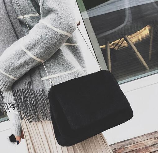 [55555SHOP]2018年新作★お買得★センスがいいバッグ★可愛いスタイル★ファー付き★ショルダーバッグ★3色