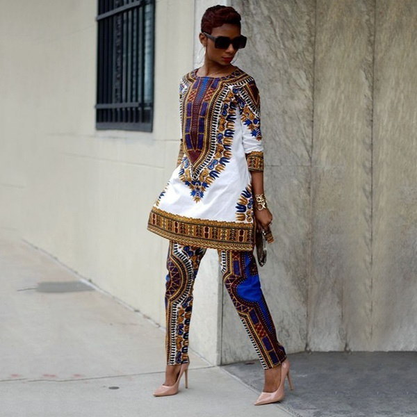 夏の女性のトーテムプリントセットアフリカの長いTシャツロングパンツ半袖の服
