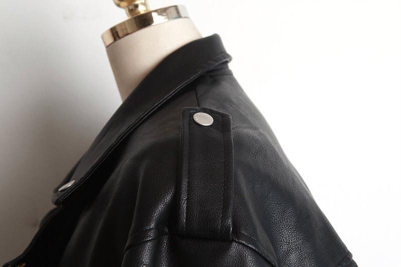 【送料無料】さっと着られてデイリーアイテムに◎ とってもカジュアルでひとつは持っておきたい一品★ジャケット アウター ライダースジャケット フェイクレザー ドロップショルダー 無地
