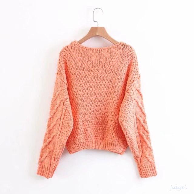 編み模様を主役にした、シンプルな一枚。ケーブル編み ニット  大人っぽく プルオーバー   トップス セーター  クルーネック レディース