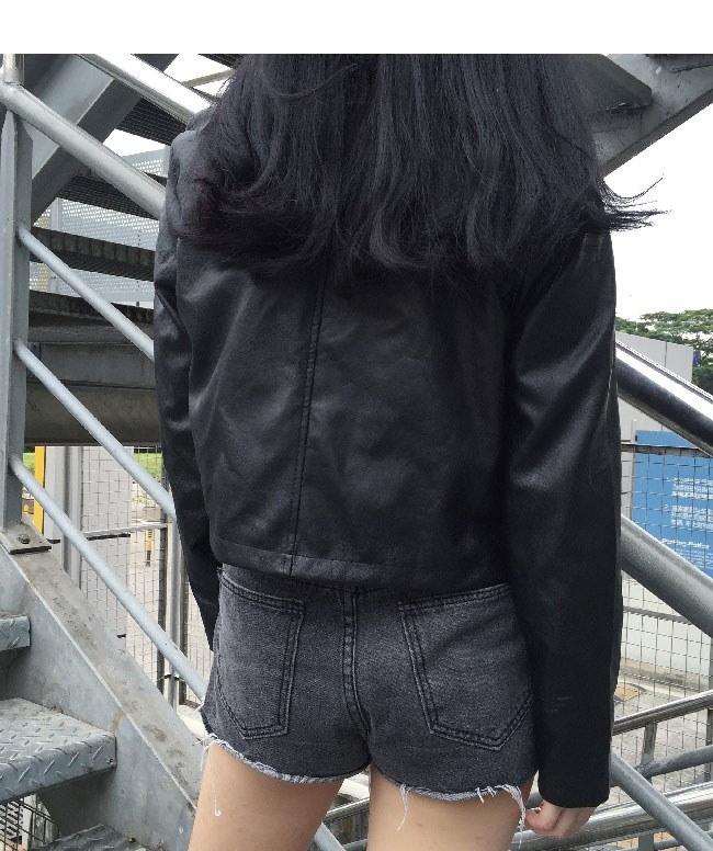 レディス服 女性 アウター コート 上着 ジャケット オーバー スタジャン ファッション 韓国風 格好いい 原宿風 秋服 短い丈 長袖 本革風 ブラック