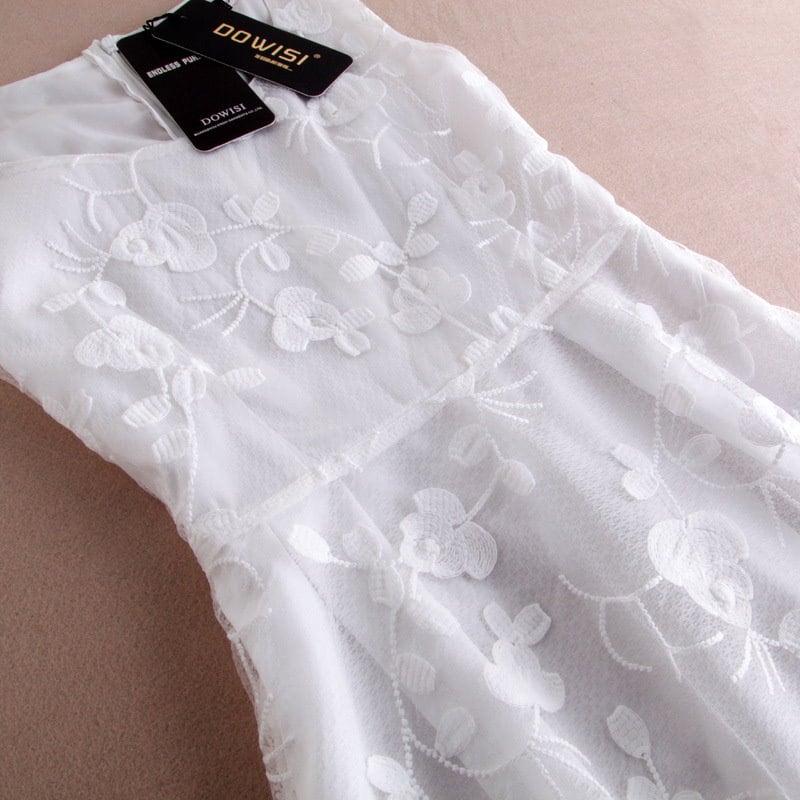 清楚 ワンピース ノースリーブ ドレス スカート ロングワンピ サマードレス ミモレ丈 高級刺繍 レース ロマンティック フェミニン スイート ホワイト 白 フレアスカート きれいめ 大人可愛い ハイウエスト 美シルエット 脚長効果 春夏 オシャレ(71-24)※納期に10日から14日ほどかかります。
