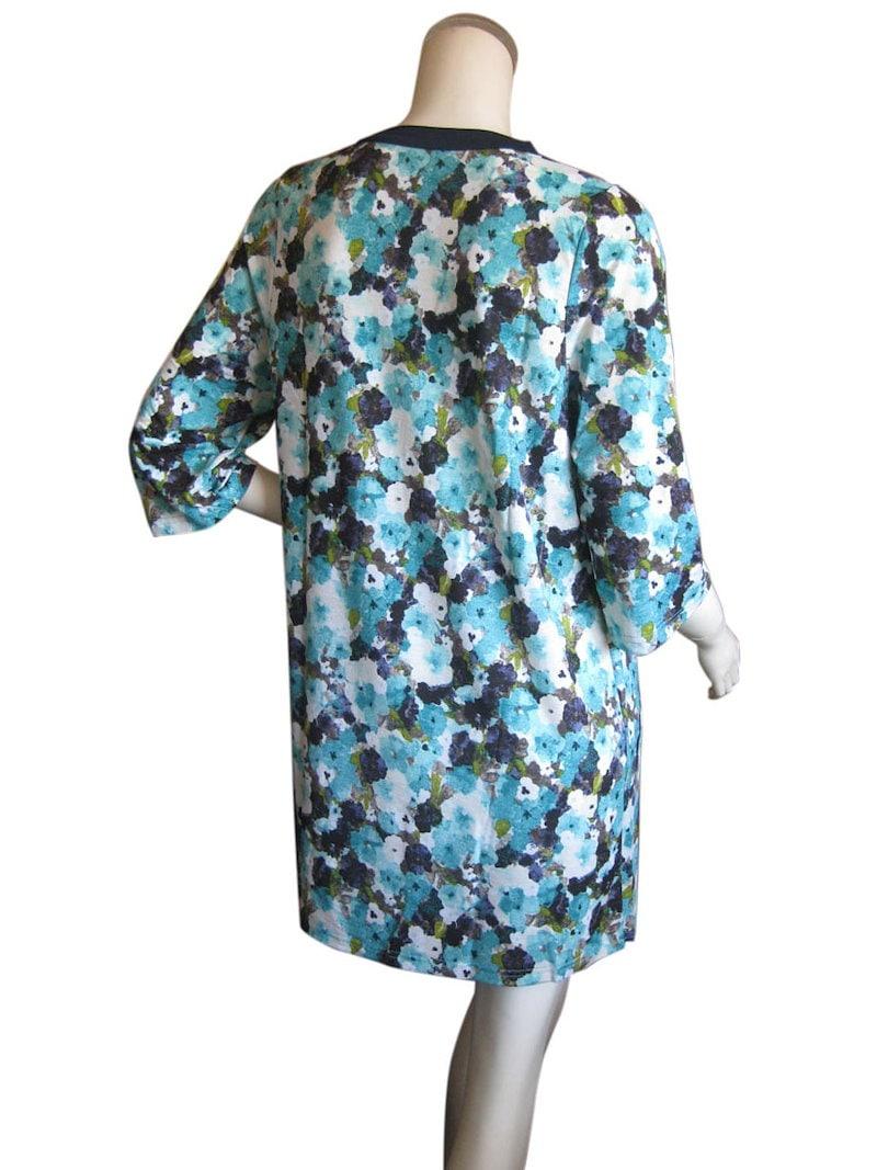 【veliero ヴァリエーロ】レトロ風ぼかし花柄の お洒落な七分袖チュニックワンピ M〜Lサイズ ブルー