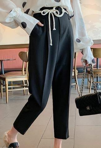おすすめ 春物 パンツ ストレート クロップド丈 タック入り センタープレス ハイウェスト きれいめ オフィス テーパードパンツ I1465