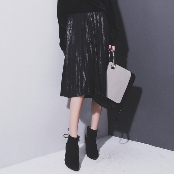 女性のメタルシルバースカートミディスカートハイウエストメタリックプリーツスカートClubwears