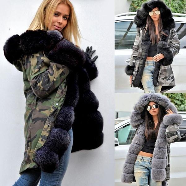 女性のフード付き長袖カモフラージュフロントボタンアップコートジャケットとフェイクファー