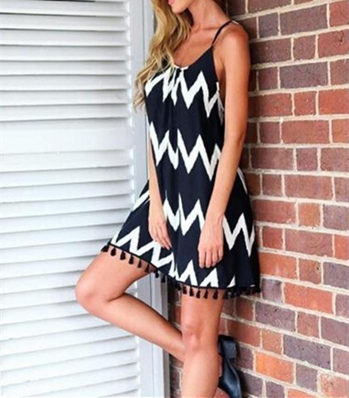夏のファッション大型黒と白の波ストライプビーチスカートタッセルハーネスセクシーなシフォンドレス