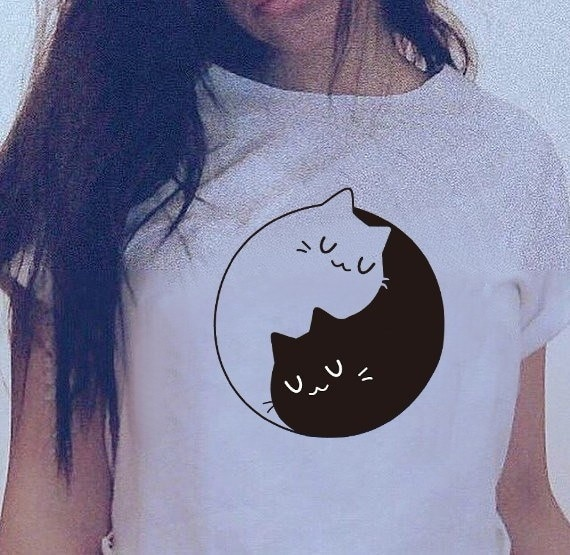 陰陽ホットストリートスタイルレディース原宿女性コットントップスグラフィック猫スリムカップルTシャツ