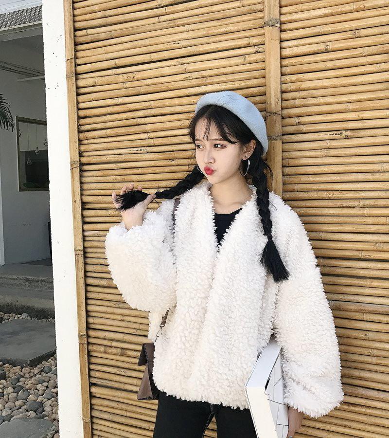 大特価 ★韓国ファッション 超人気★プードルファージャケット♥もこもこプードルボア風ふわふわファーコートフェイクファーショート 1着だけでもお洒落にキマる魔法の1着