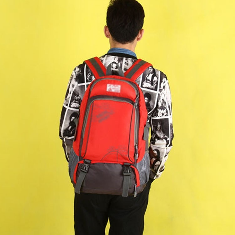 リュックサック 旅行バッグ アウトドア 登山リュック 登山リュックサック 旅行 人気 登山バック お出掛けに 遠足 大容量 カジュアル ナイロン 40