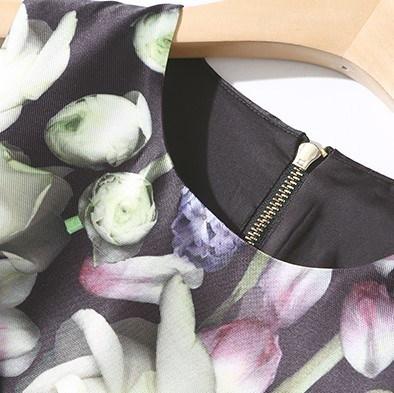 ミモレ丈 花柄 フラワー ノースリーブ ラウンドネック フレア パーティードレス ブラック 結婚式(B261)