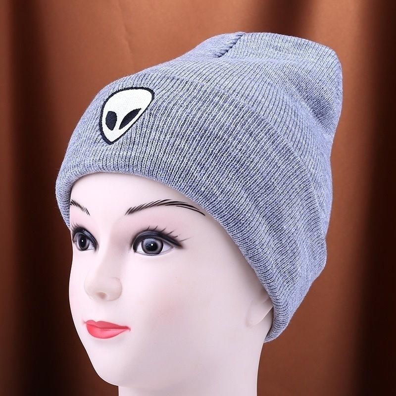 かわいいエイリアンパターンの帽子新しい女性の男の子ユニセックスエイリアンウールキャップ男性女性の黒色のニットハットワット