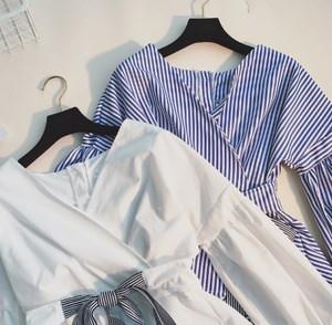 着るだけで、女性らしさを演出♥ ♡ ボリュームのある袖とウエストのリボンが華やかなトップス☺ ︎  CHERGKA000319