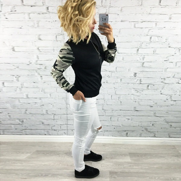 女性の迷彩ステッチロングスリーブジップコート