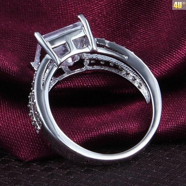 女性のファッション18金金メッキ大立方ジルコニアダイヤモンドリングウェディングリング