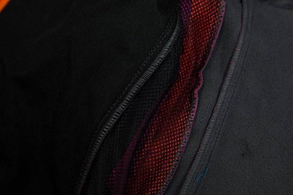 すべてのベルトの色はオレンジです2017新しいSoftshellジャケット女性の防風ハイキングジャケット屋外厚いW