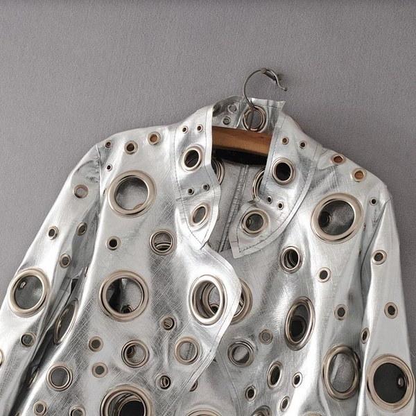 女性ファッション中空金属製オートバイバイカージャケットレザージャケット女性の潮独特のデザインリット