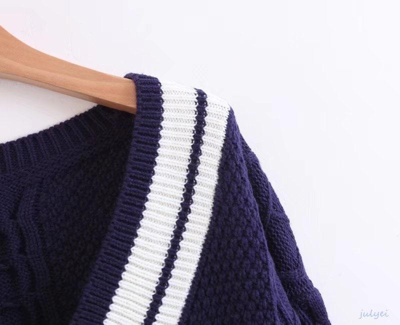 全3COLOR  秋冬 Vネック配色ニットナチュラル  ルーズニット きれいめ おしゃれ 長袖 レディース 着やせ ネイビー、レッド、ホワイト