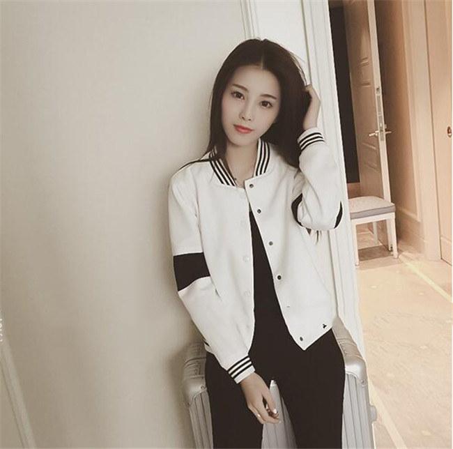 レディース  ジャケット  カジュアルな  黑白 2色  秋の本格アウター スタジャン ブルゾン 短めの着丈 ミリタリーアウター ショート  ゆったり 送料無料!韓国ファッション 長袖アウター