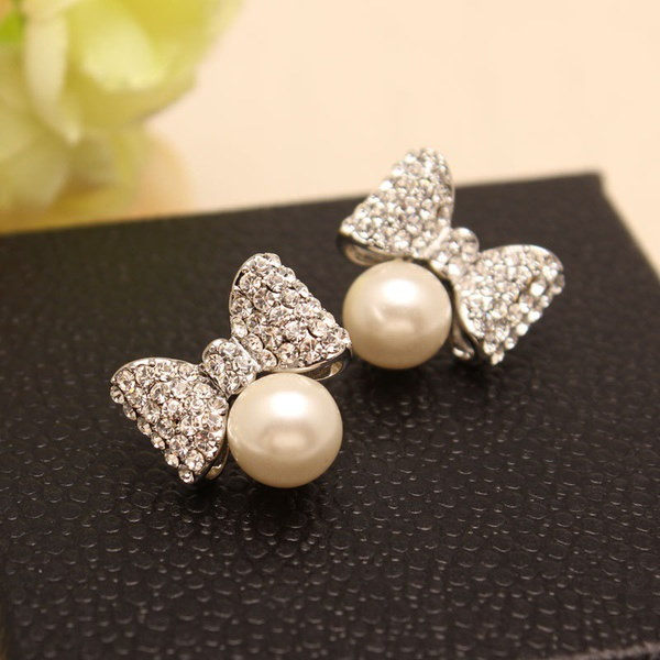 ジルコンボウピアスと高品質の韓国の絶妙なファッションの偽の真珠