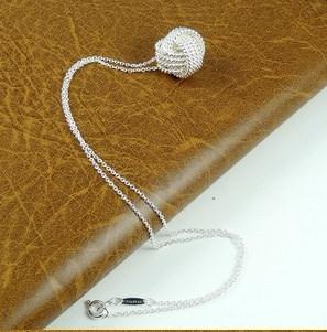 925シルバー、ローズゴールド女性ペンダント襟ローズボールスライドファッションゴールドチェーンネックレスアクセサリー
