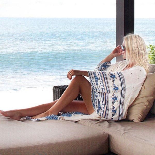 2017新しい女性のブラウストライバルフラワープリントビーチサンスクリーンシフォン着物カーディガン夏の秋