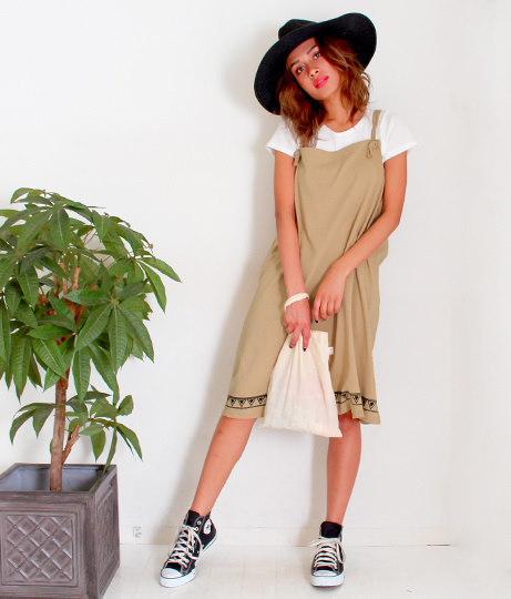 裾プリントジャンパースカート