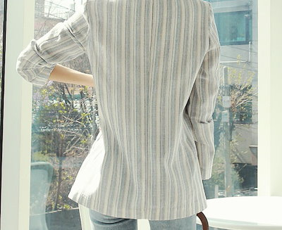 リネン·スリム·ワン·ボタン·ジャケット-This is jacket made of linen material having cool striped patterns practical