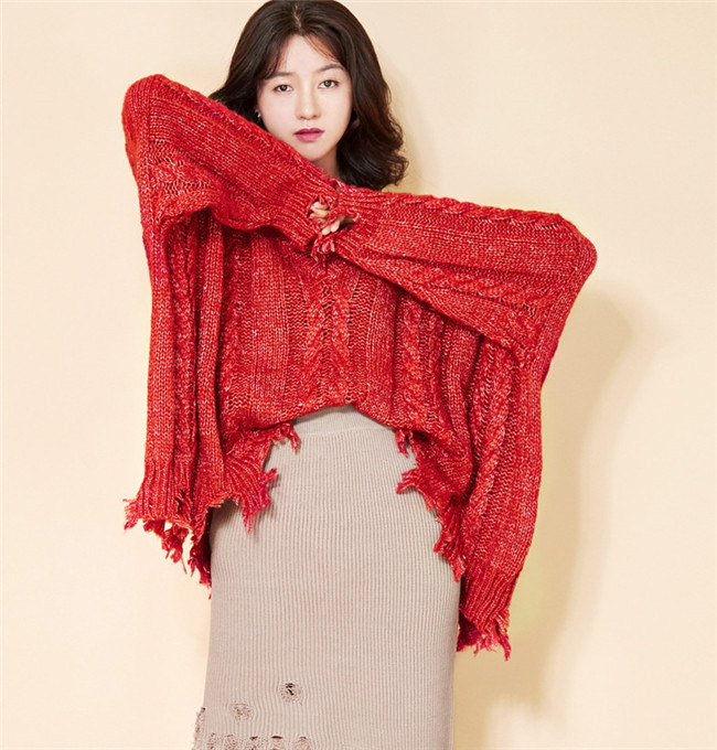 レディース  ニット セクシー Vネッ クフリンジ付き  韓国ファッション フレア袖  編みニットワンピース  パフスリーブ ロング厚手 送料無料     柔らかな肌触りで、着心地がよく