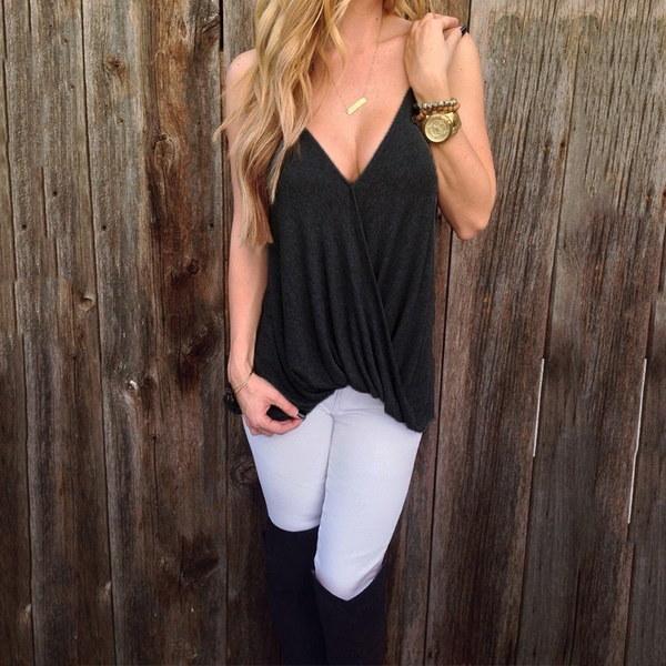 新しい夏の女性セクシーなストラップVネックトップブラウスレディースファッションノースリーブルーズトップシャツ