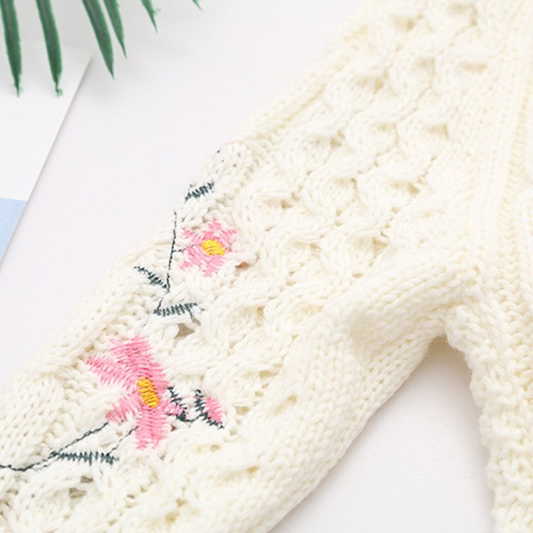可愛い花刺繍のニットトップス!レディースニット ニット セーター ニットトップス 刺繍 プルオーバー 長袖 ラウンドネック ケーブル編み ざっくり ト