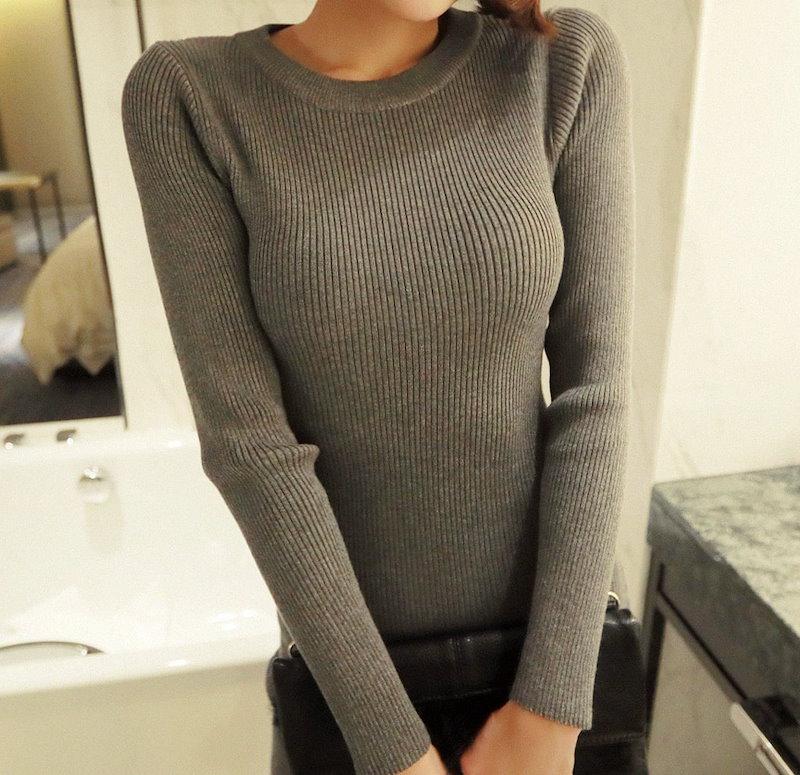 ファインコルゲートロングニットワンピース-This is one-piece having slim line neat fit and womanly mood emphasizing