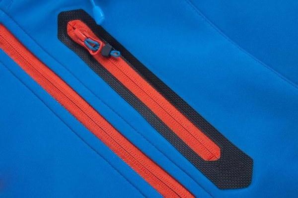 女性のスポーツウェアフード付きSoftshell屋外防水ジャケット